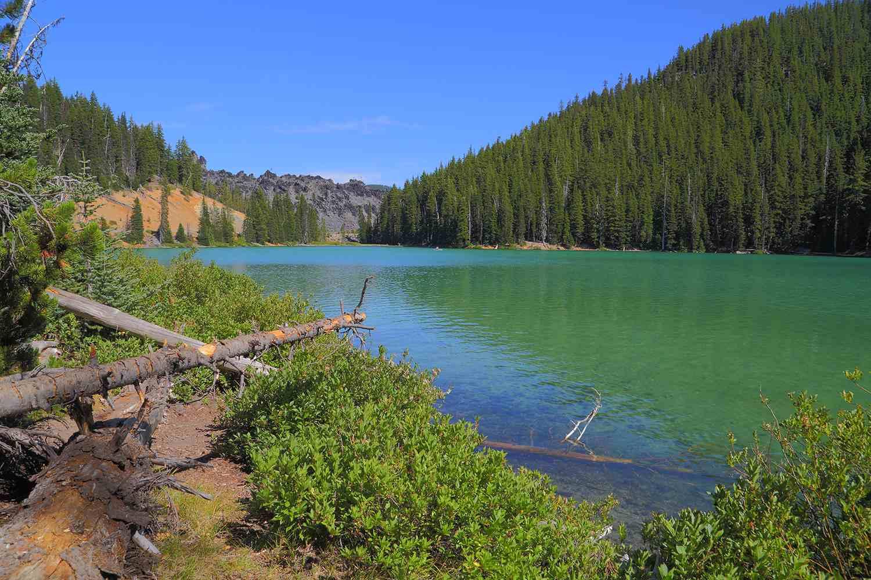 Devils Lake Landcape OR
