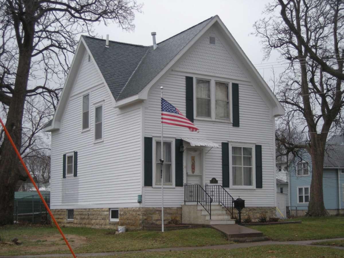 grant wood boyhood home