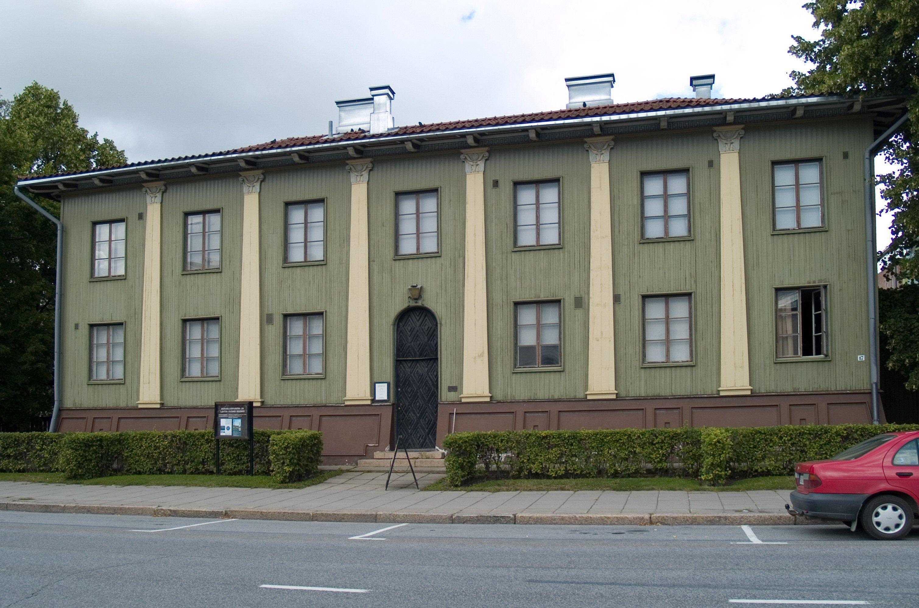 Neoclassical building headquarters for the White Guards in Seinajoki