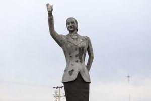 Statue of Eva Perón