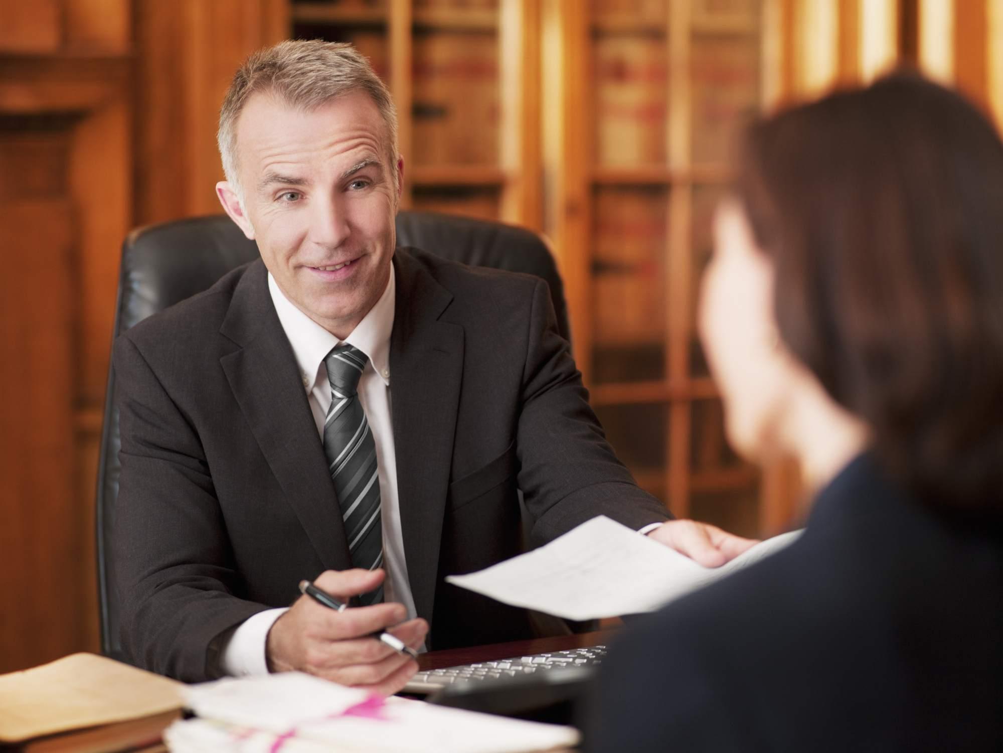 Consultar con abogado antes de enviar planillas para visa U
