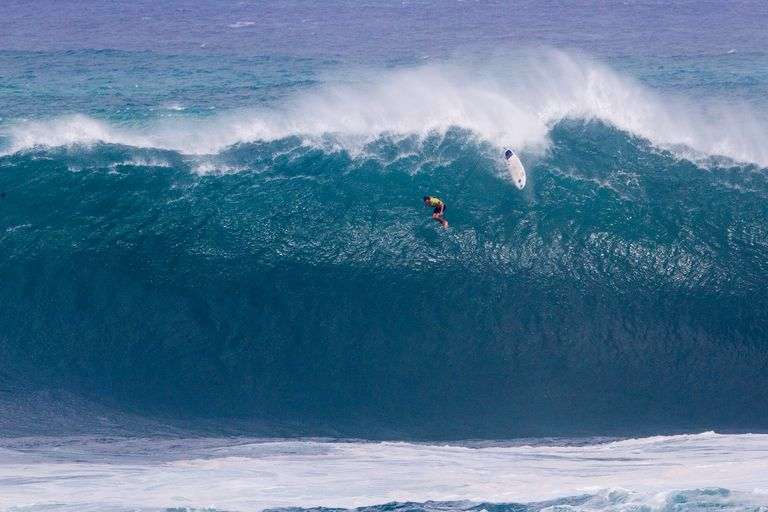 fbbb966ab4 10 of the Biggest Surfable Waves On The Planet