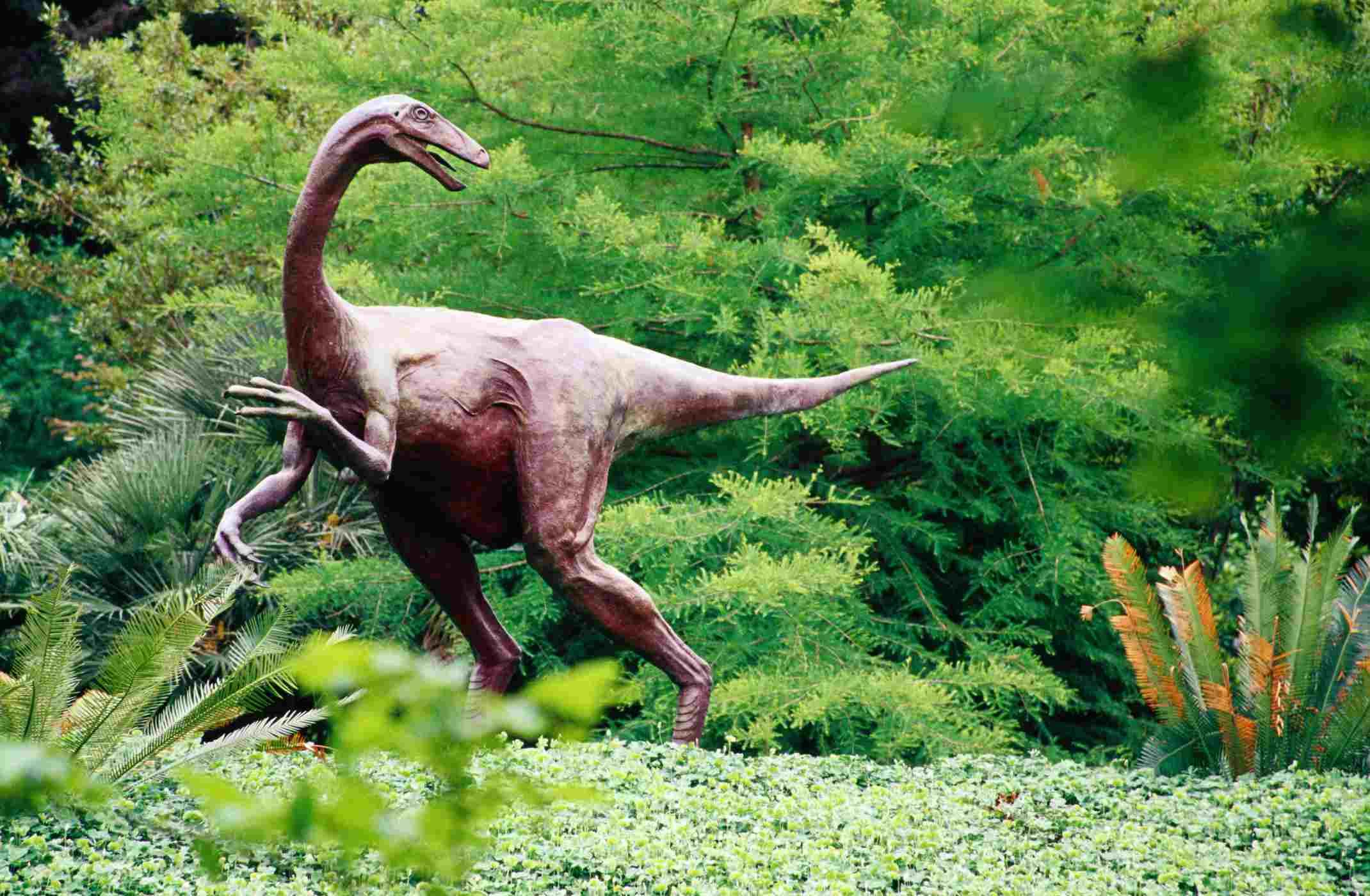 Ornithomimus dinosaur sculpture in Botanical Gardens, Zilker Park.