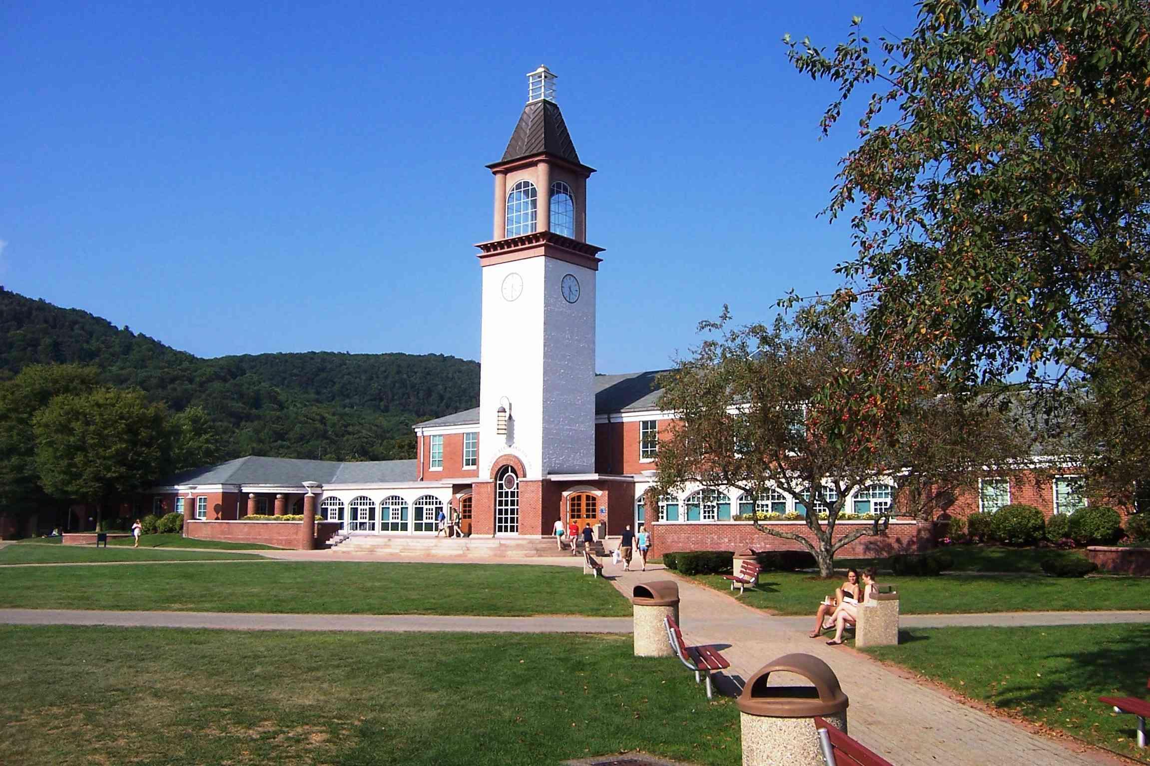 Quinnipiac University Library and Clock Tower