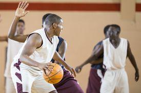 Los buenos deportistas pueden obtener becas totales o parciales para estudiar en USA