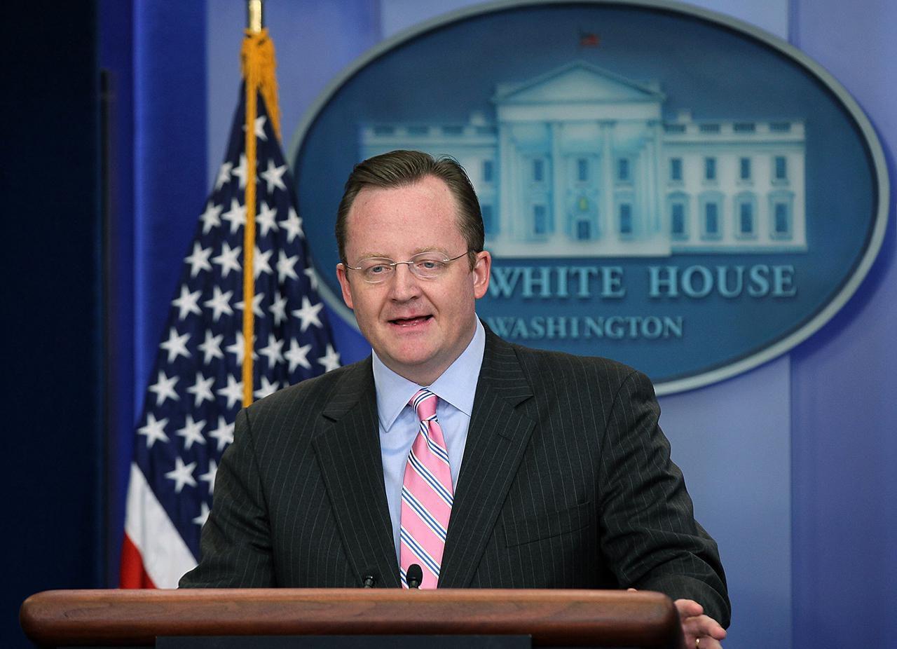 Press Secretary Robert Gibbs