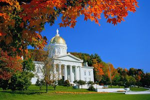 USA,Vermont,Montpelier,golden dome and facade of State Capitol,autumn