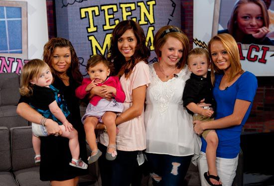 teen-mom-mtv-has-great-girl-shoving-stuff-in-her-pussy-porn