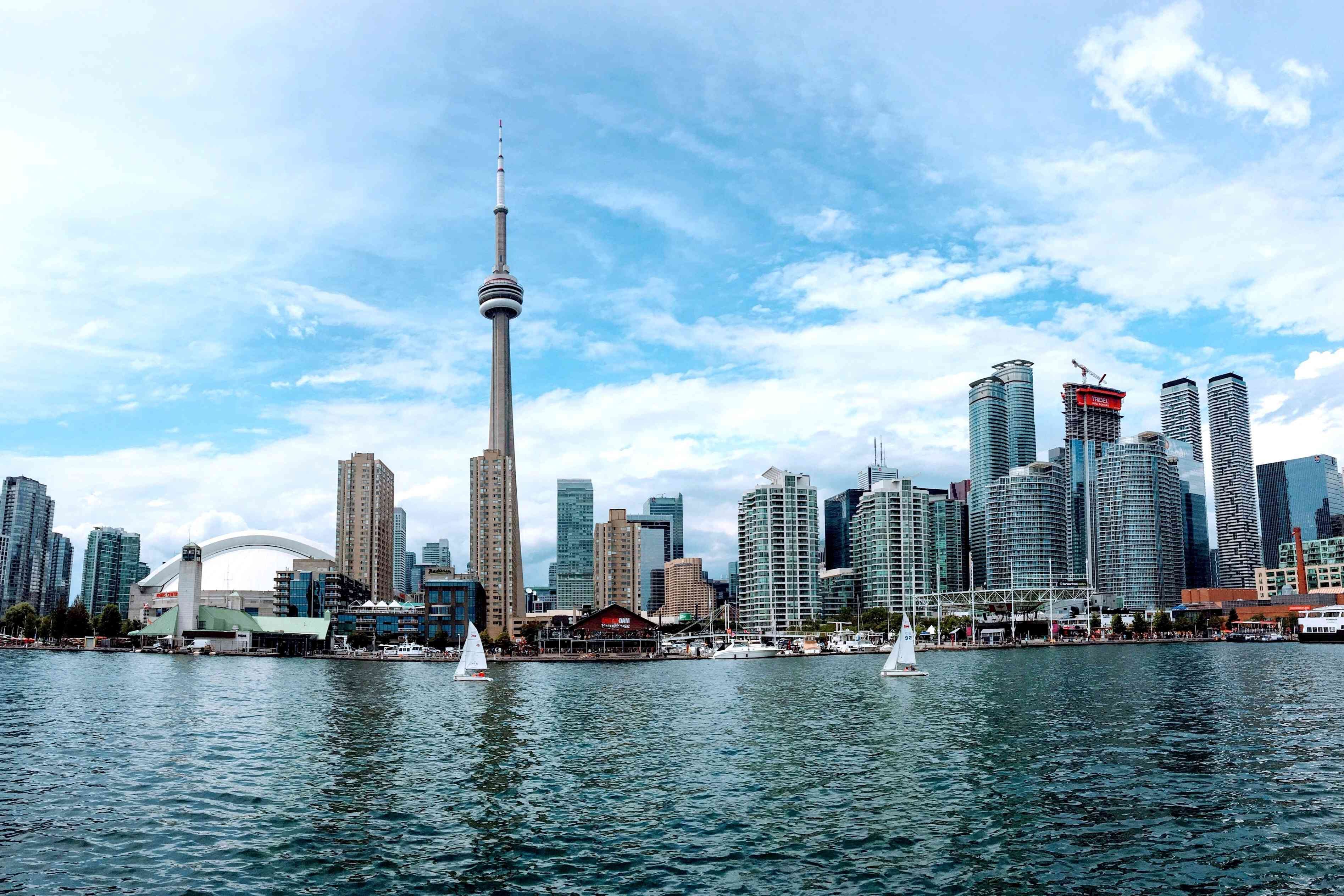 The skyline at the Toronto waterfront