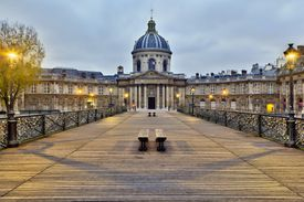 Institut de France (Académie française) from pont