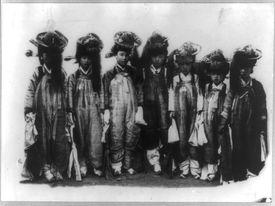 Undated photo of Korean girls, early 20th century