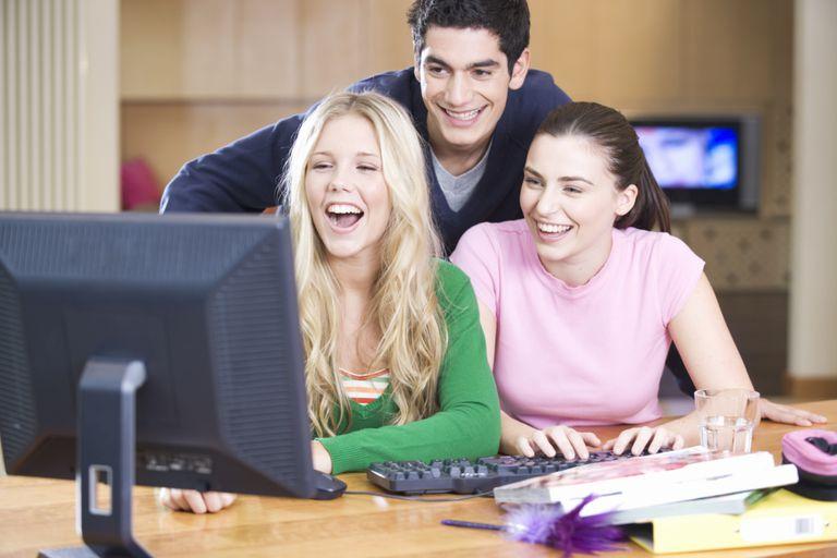 24 fantastic websites for college students