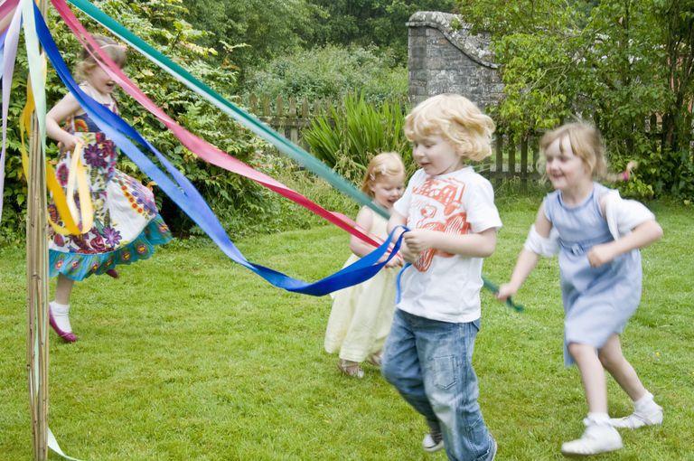 Kids Around the Maypole