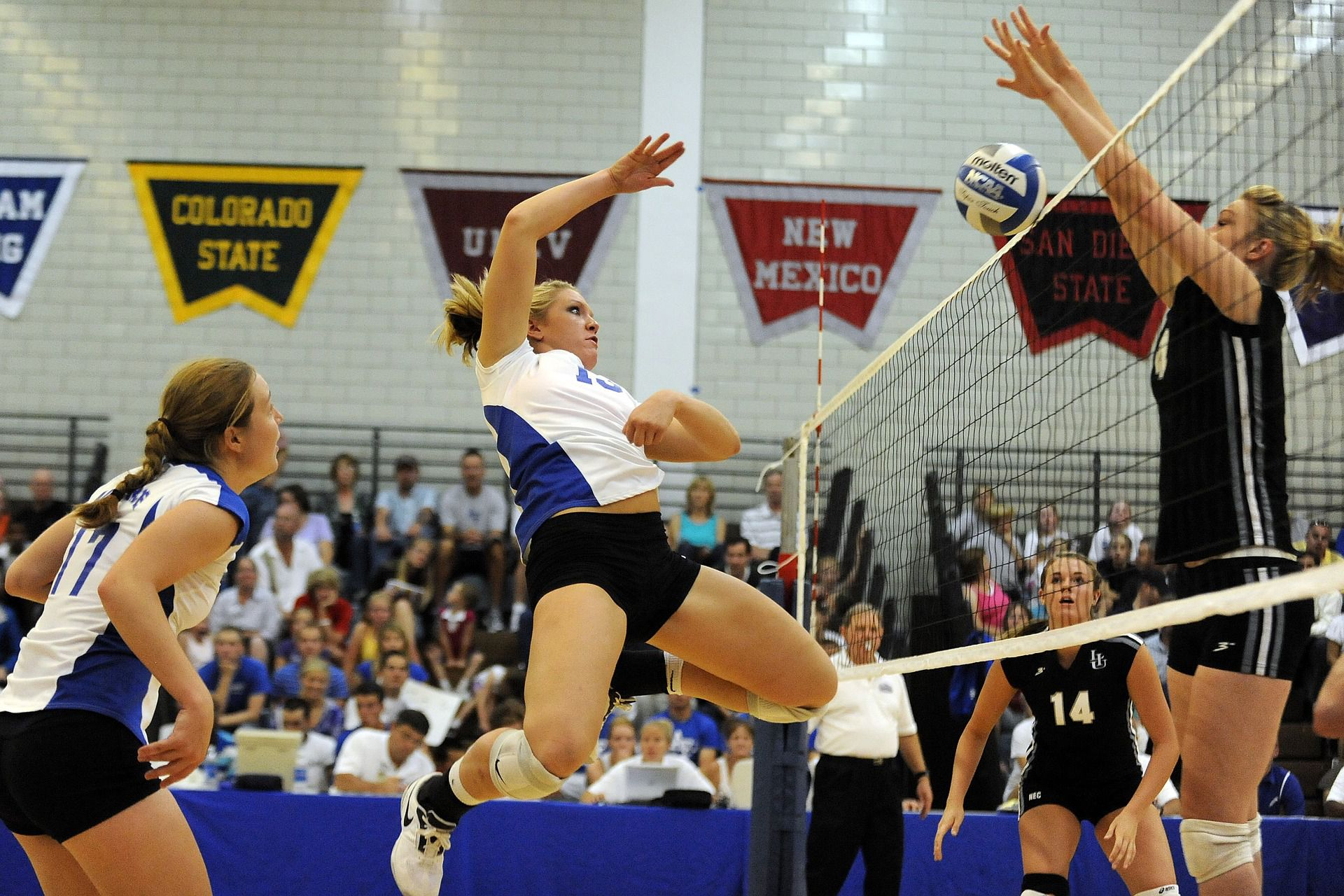 Joplin volleyball finishes strong, wins home opener - SoMo