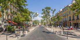 France, Provence, Aix-en-Provence, view to avenue Cours Mirabeau