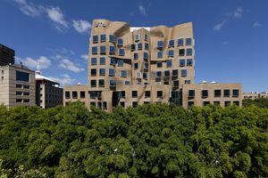 Frank Gehry-Designed Business School, University of Technology Sydney (UTS), 2015