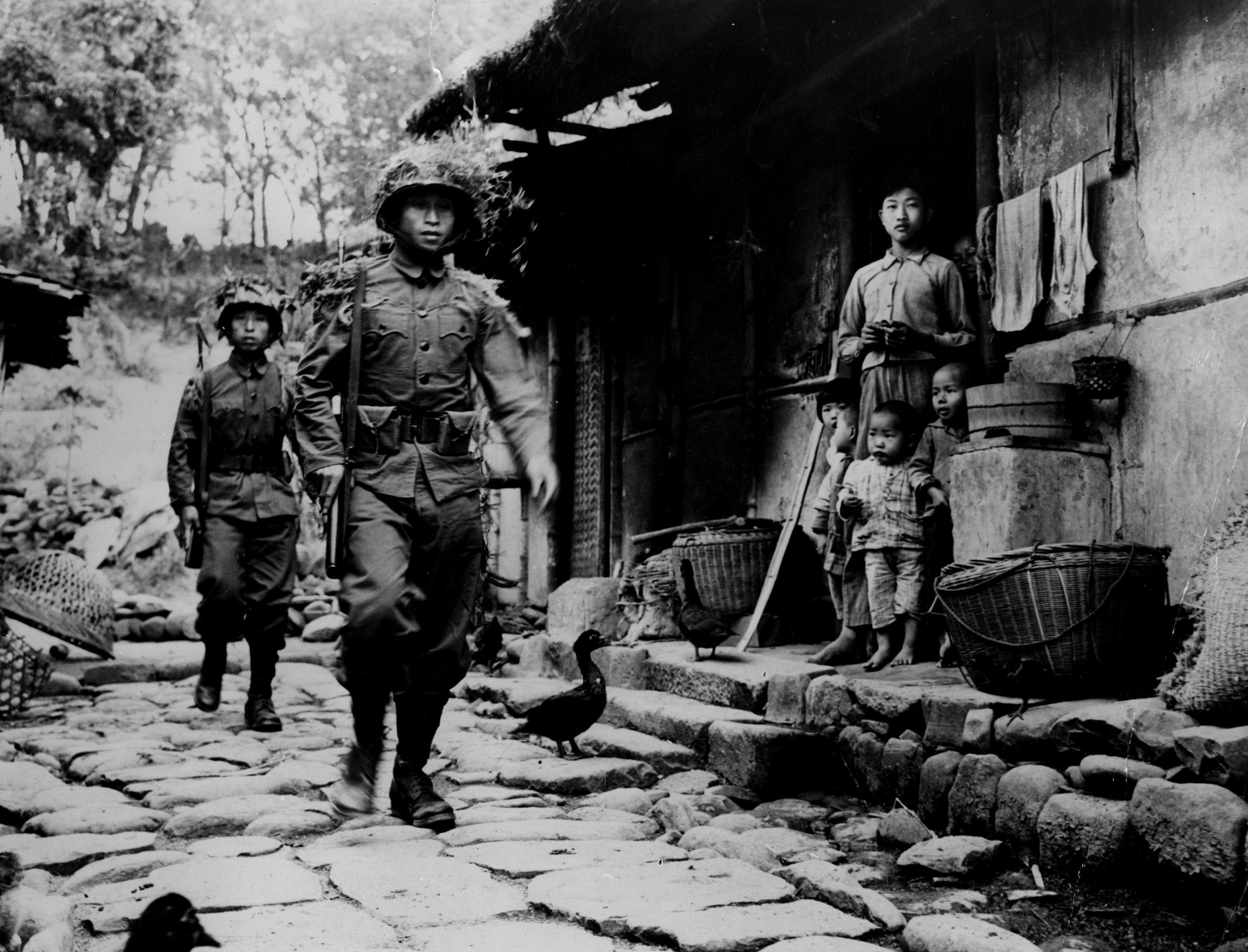 1945年8月から1937年7月:アジアにおける第二次世界大戦