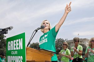 Jenny McCarthy speaks at the Green Our Vaccines press conference in front of the U.S. Capitol Building on June 4, 2008 in Washington, DC