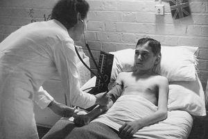 Jewish Refugee Getting British Medical Care