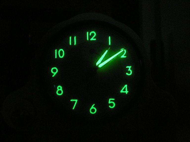 Luminescent clock dial