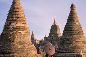 Myanmar, Bagan, Buddhist monks on temple