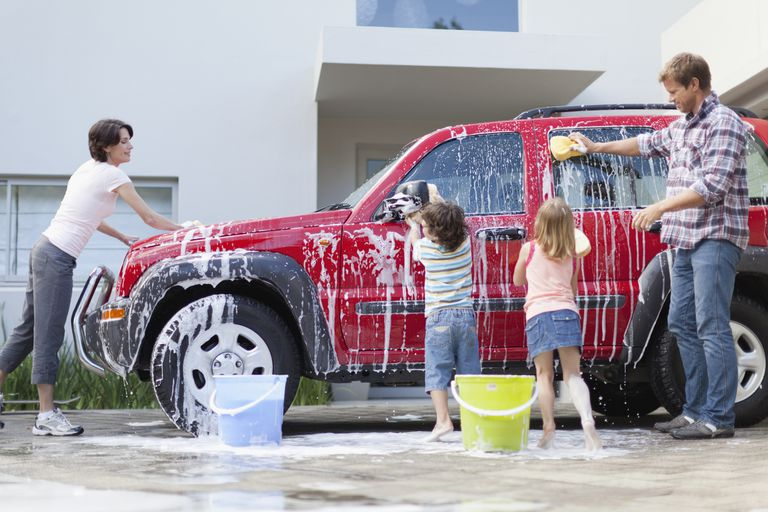Hand Wash Car Wash >> Eco Friendly Car Washing By Hand Or At The Car Wash