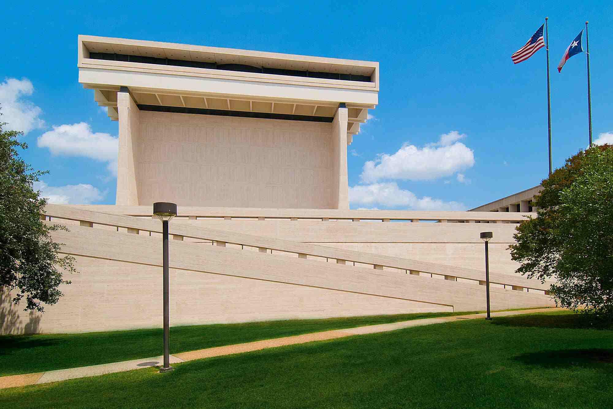 LBJ Library, built 1971, designed by Gordon Bunshaft, University of Texas campus in Austin, Texas