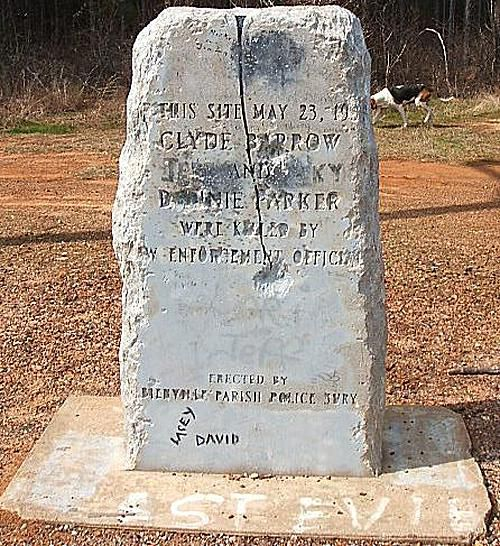 A memorial marking the spot where Bonnie and Clyde were killed