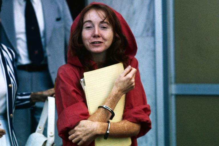 Manson cult member Lynette Fromme leaving court