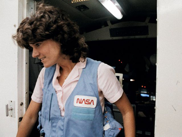 Sally Ride, training for STS-7 mission
