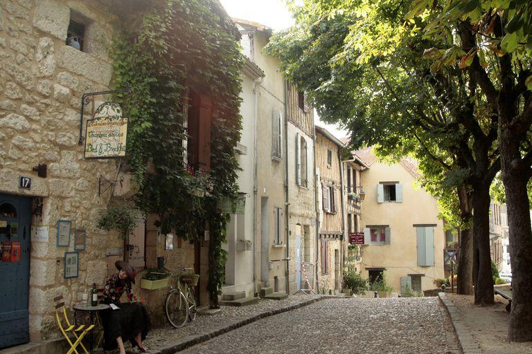 'France, southwestern France, Bergerac, place du Mirpe'