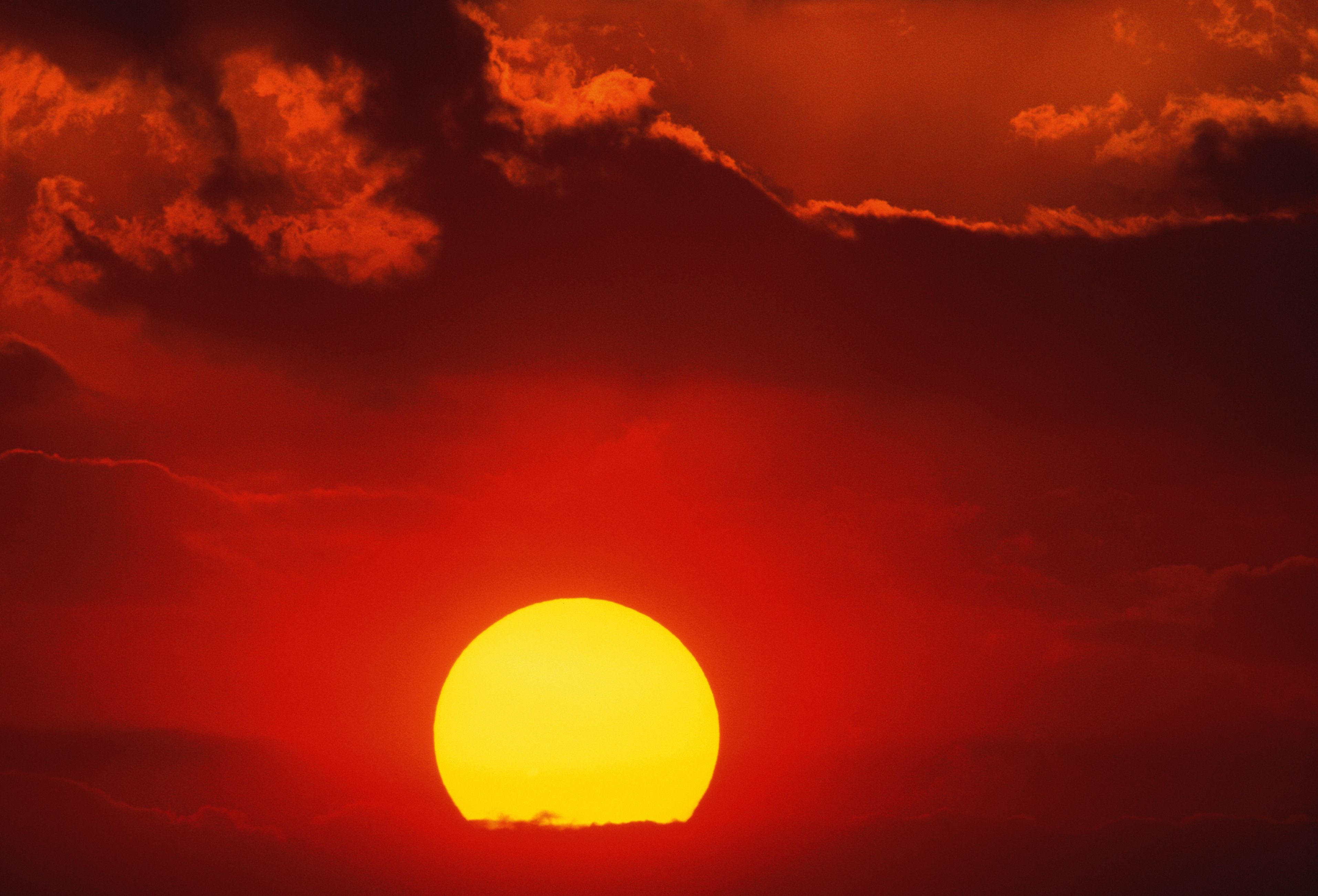 See Why the Sky Is Blue and Sunset Is Red - Easy Experiment