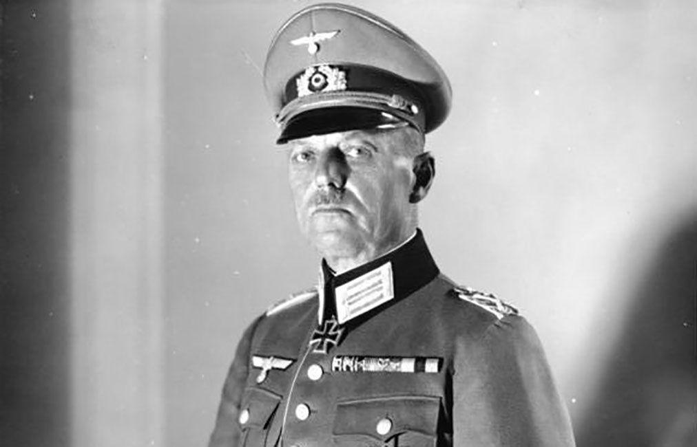 Chest up portrait of Gerd von Rundstedt in a German Army uniform.