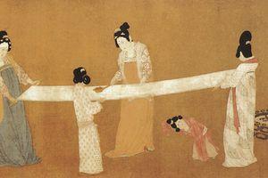 Court ladies preparing newly woven silk