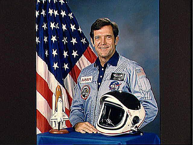 Pictures of the Dick Scobee - Official portrait of Astronaut Francis R. (Dick) Scobee - Biography Francis R. (Dick) Scobee (Mr.)