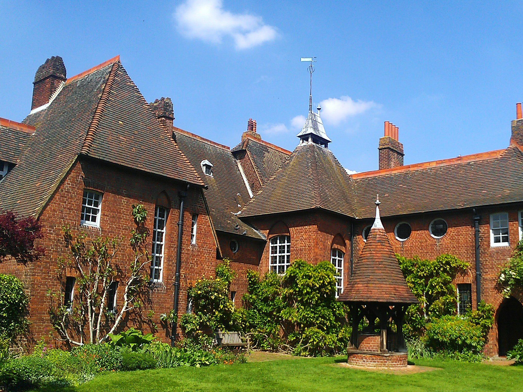 Gables Of St Morris philip webb, about the architect of arts & crafts