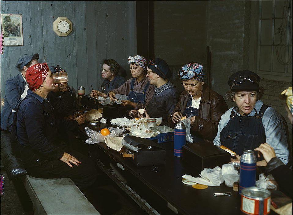 Women railway workers, 1943