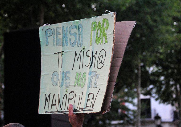 Piensa por ti mism@ que no te manipulen.