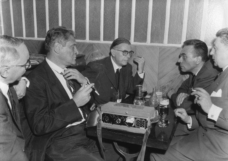 Sartre-smoking-HultonarchiveGettyimages.jpg