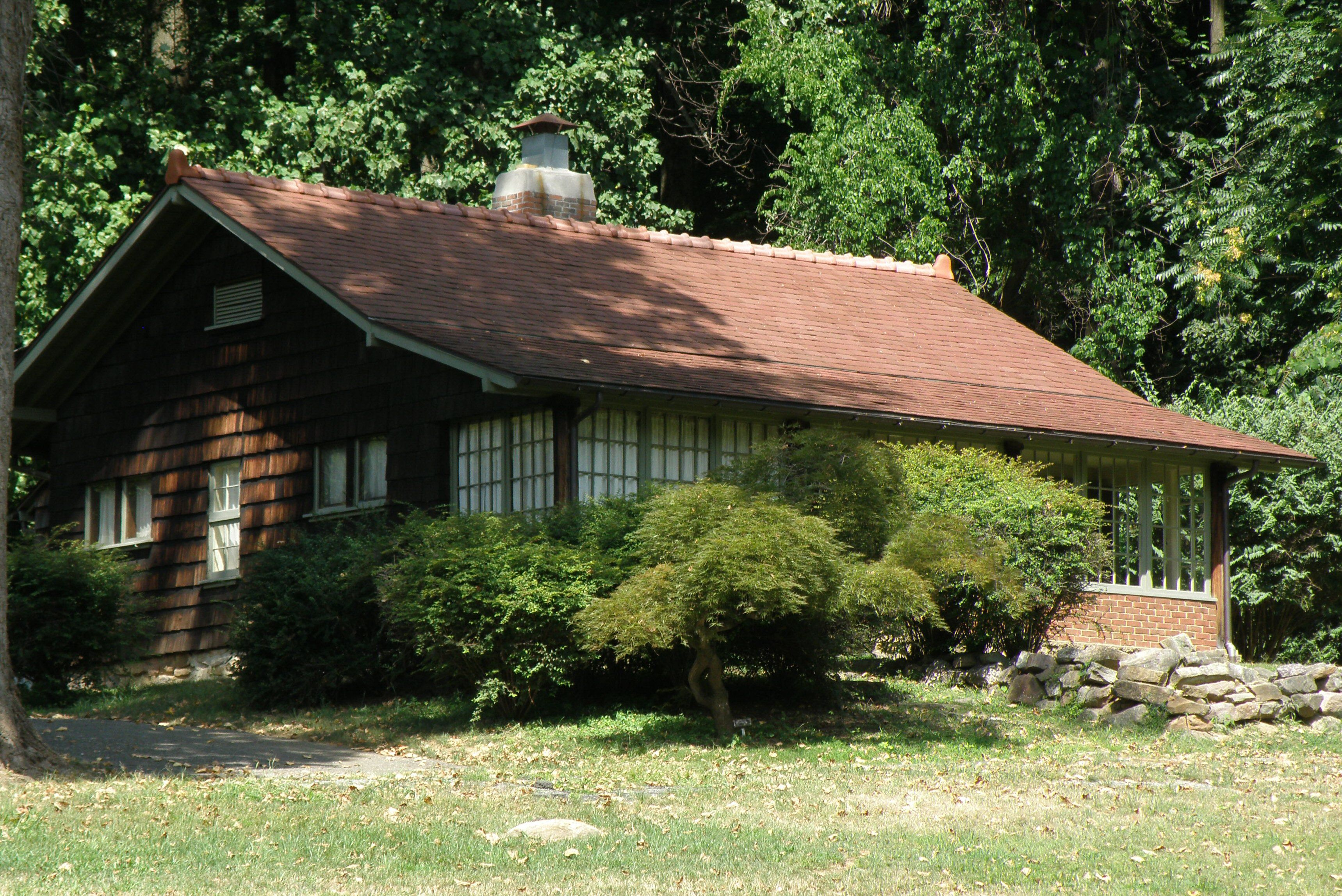 Craftsman Farms Cottage, Property of Gustav Stickley 1908-1917, in Morris Plains, New Jersey