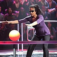Minute to Win It contestant Blind Ball