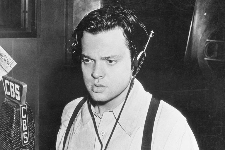 Orson Welles Broadcasting on CBS