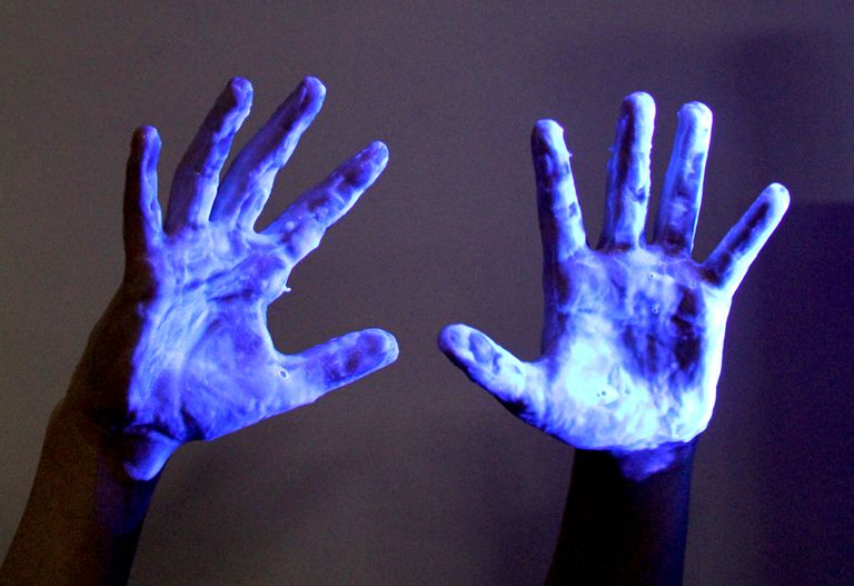 16 Things That Glow Under Black Light Ultraviolet Light