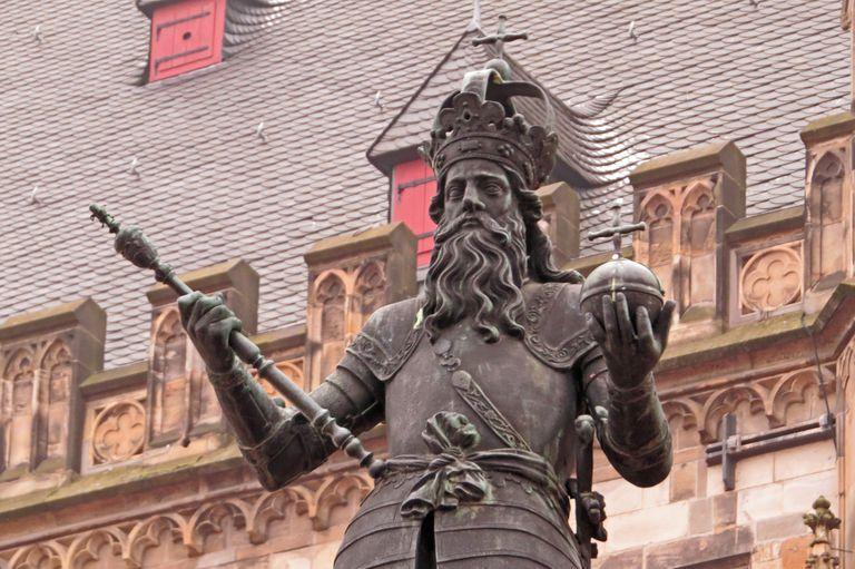 Charlemagne statue, Aachen Rathaus