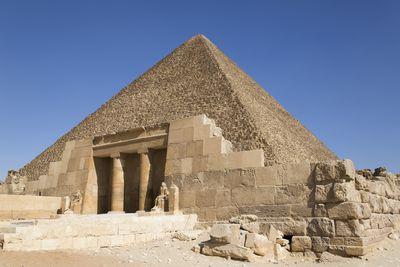 mayan and egyptian pyramids