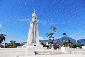 Monumento al Divino Salvador del Mundo in San Salvador