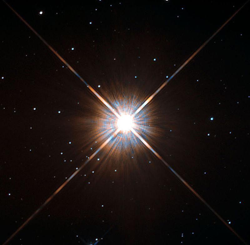 New_shot_of_Proxima_Centauri-_our_nearest_neighbour.jpg