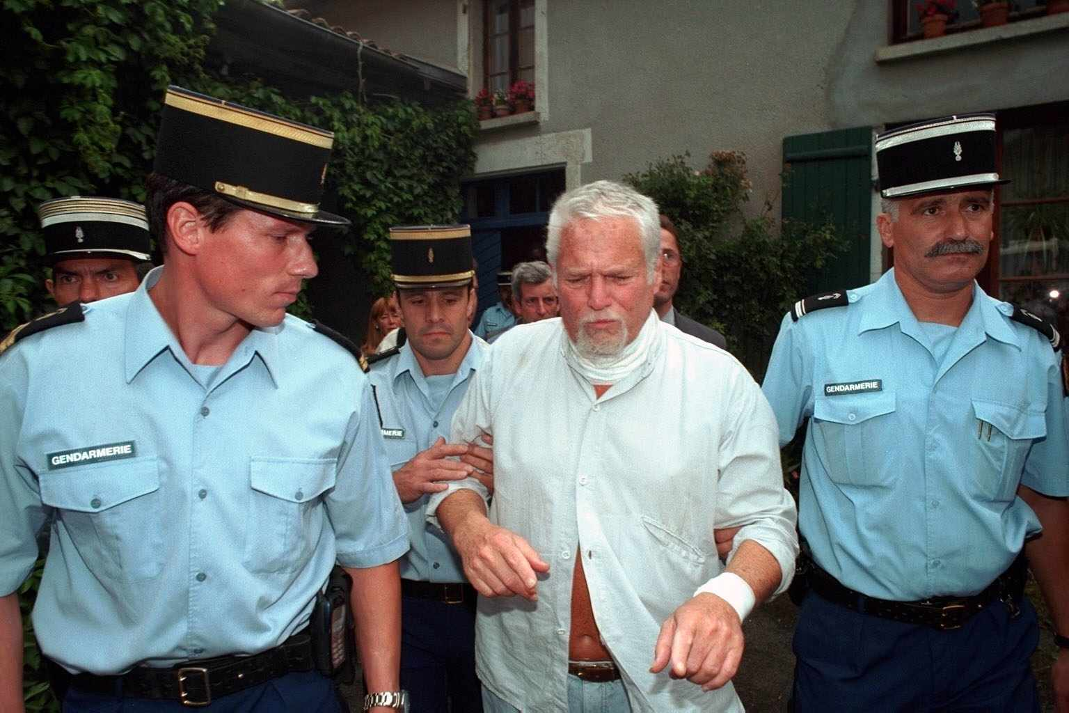 Ira Einhorn was taken to the police at 8pm after his extradition was announced.