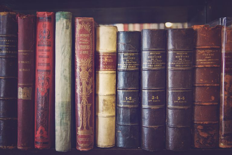 Self of old books