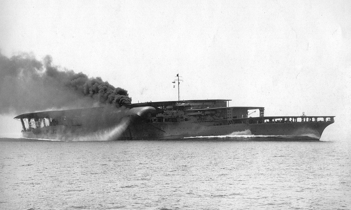 Carrier Akagi at sea steaming left to right.
